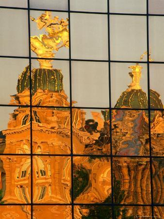 Reflection of the State Capitol Building, Iowa, USA