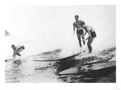Group of Surfers in Honolulu, Hawaii Surfing Photograph - Honolulu, HI