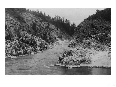 Hell Gate Canyon on Rogue River, Oregon Photograph - Grants Pass, OR
