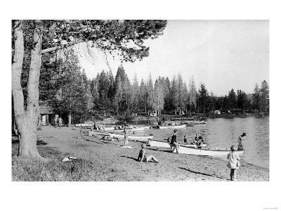 Diamond Lake, Oregon Beach Swimmers Photograph - Diamond Lake, OR