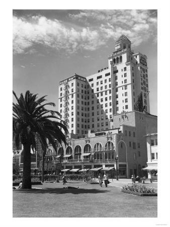 Long Beach, California Wilton Hotel Photograph - Long Beach, CA