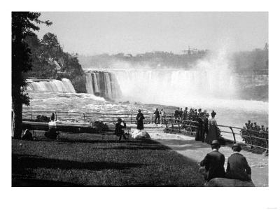 Prospect Point in Niagara Falls Photograph - Niagara Falls, NY