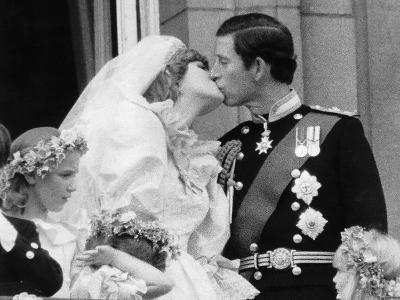 Prince Charles and His New Bride Diana Kiss on the Balcony of Buckingham Palace