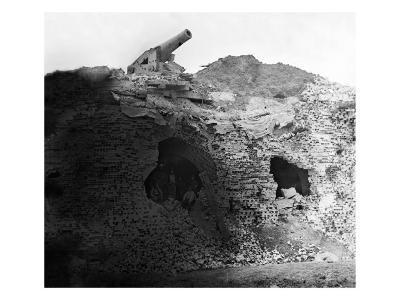 Fort Pulaski, GA, Gun Mounted on Ft. Pulaski Wall, Civil War