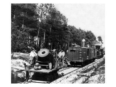 """Petersburg, VA, Mortar """"Dictator"""" on Railroad, Civil War"""