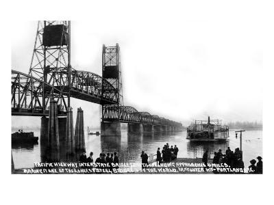 Vancouver, Washington, View of the Pacific Hwy Bridge going towards Portland, OR