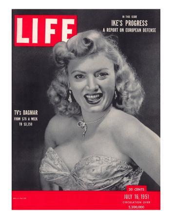 TV actress Dagmar, Virginia Ruth Egnor, July 16, 1951