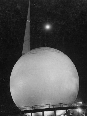 Trylon and Perisphere, the New York World's Fair's Focal Point, Flushing Meadows, New York