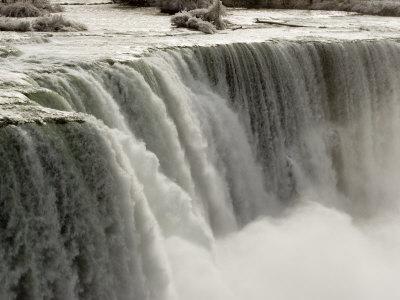 Niagara Falls on a Frosty Morning, Niagara Falls, New York, USA