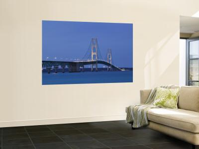 Mackinac Bridge, Straits of Mackinac Between Lakes Michigan and Huron, Michigan, USA