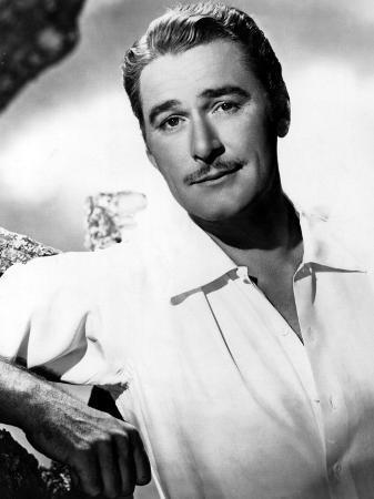 Errol Flynn, 1940s