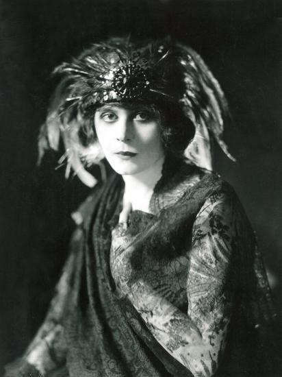 Theda Bara In The Broadway Show Blue Flame 1920 Photo At AllPosters