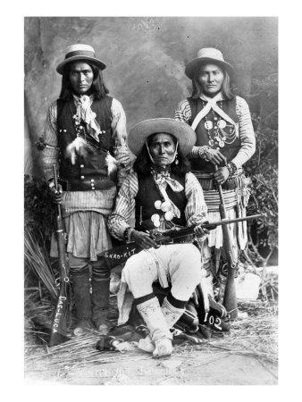 Wild West, Das-Luca, Skro-Kit, Shus-El-Day, White Mountain Apaches Posed with Rifles, 1909