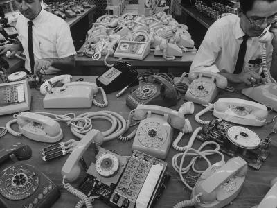 Manufacturing of Telephones at Western Electric Co