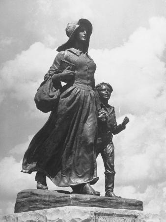 Sculpture of a Pioneer Woman and Her Child
