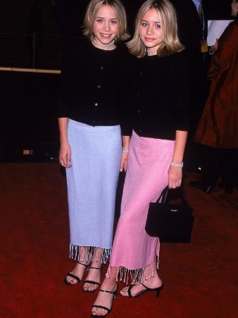"""Twin Actresses Mary Kate and Ashley Olsen at the Film Premiere of """"Anna and the King"""""""