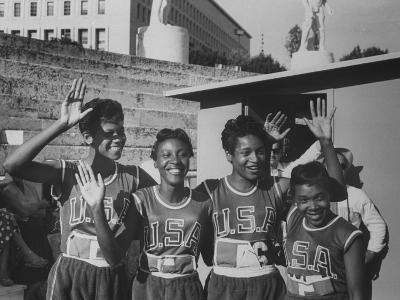 Sprinter Wilma Rudolph at the Olympics, W. Team Mates