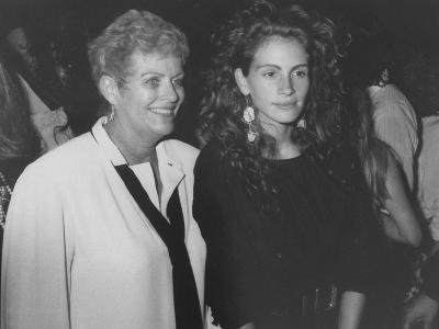 """Actress Julia Roberts and Her Mother Betty Motes at a """"Young Actor's Gang"""" Fundraiser"""