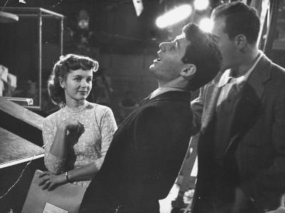 Actrees Debbie Reynolds on Candid TV Series with Singer Eddie Fisher