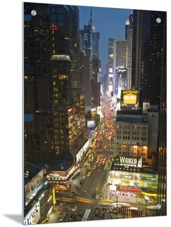 Broadway Looking Towards Times Square, Manhattan, New York City, USA