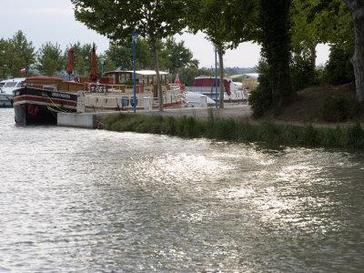 Barge Moored on the Canal Du Midi, Trebes, Aude Languedoc Roussillon, France, Europe