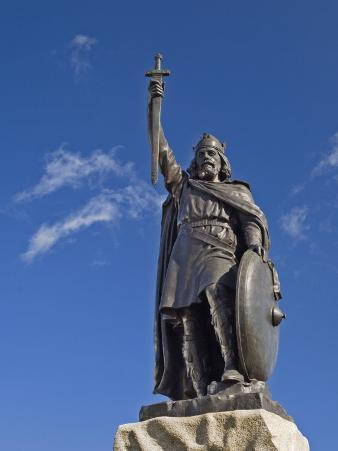 Statue of King Alfred, Winchester, Hampshire, England, United Kingdom, Europe
