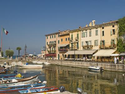Harbour and Waterfront Cafes, Lazise, Lake Garda, Veneto, Italian Lakes, Italy, Europe