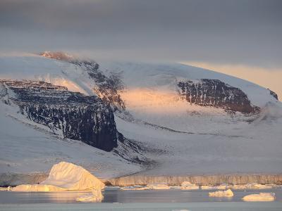 Antarctic Peninsula at Dawn, Antarctica, Polar Regions
