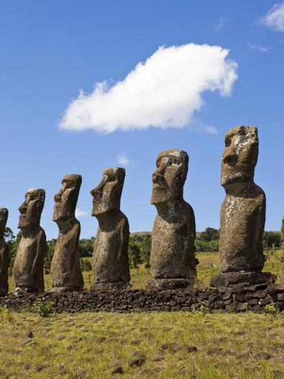 Ahu Tongariki, Tongariki Is a Row of 15 Giant Stone Moai
