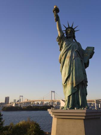 Replica Statue of Liberty, Tokyo Tower, Rainbow Bridge, Tokyo Bay, Tokyo, Japan