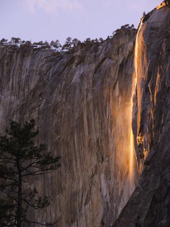 Horsetail Falls, Yosemite Valley, Yosemite National Park, California, USA