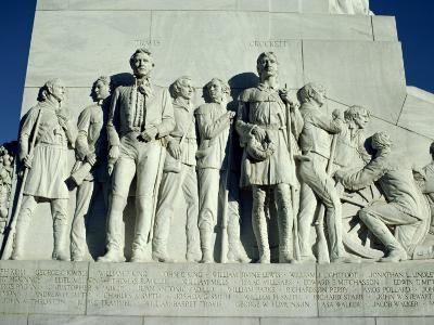 Close-Up of Sculptures of Travis and Crockett on the San Antonio Memorial, Texas, USA