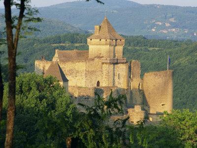 Castelnaud Castle, in the Dordogne, Aquitaine, France, Europe