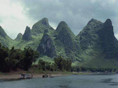 River Li Between Gweilin and Yangshuo in Guangxi Province, China