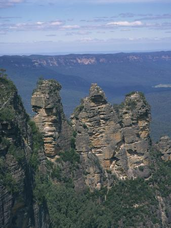 Three Sisters Rock Formations in the Blue Mountains at Katoomba, New South Wales, Australia