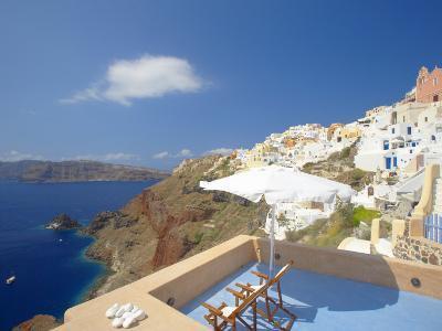 Terrace in Oia, Santorini, Cyclades, Greek Islands, Greece, Europe