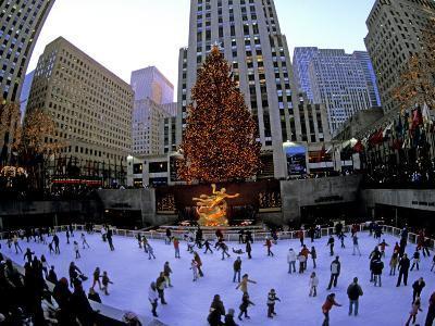 Rockafeller Center at Christmas, New York City, New York, USA