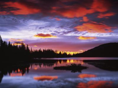 Sunrise on Reflection Lake, Mt. Rainier National Park, Washington, USA