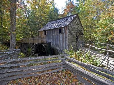 Cable Mill in Cades Cove, Great Smoky Mountains National Park, Tennessee, USA