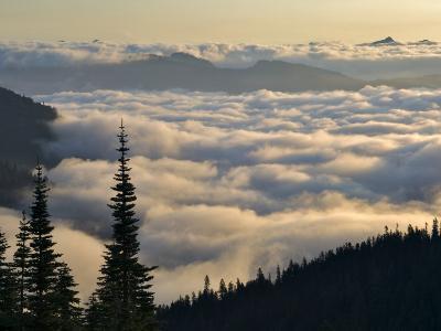 Cowlitz River Valley, Tatoosh Wilderness, Washington Cascades, USA