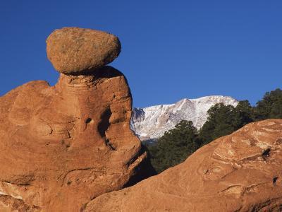Pikes Peak, Garden of The Gods National Landmark, Colorado Springs, Colorado, USA