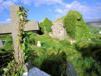 Drumcheehy Church, County Clare, Ballyvaughan, Ireland