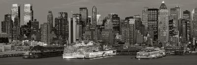 New York City, Manhattan, Panoramic View of Mid Town Manhattan across the Hudson River, USA