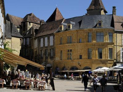 Place De La Liberte in the Old Town, Sarlat, Dordogne, France, Europe