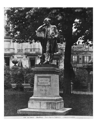 Monument to Hector Berlioz, Square Vintimille, 1884