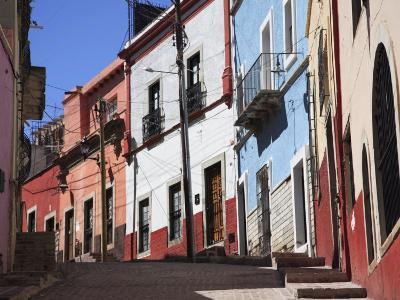 Narrow Street, Guanajuato, Guanajuato State, Mexico, North America