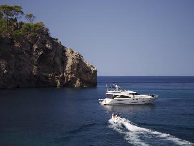 Yacht Moored Off Deia, Mallorca, Balearic Islands, Spain, Mediterranean, Europe