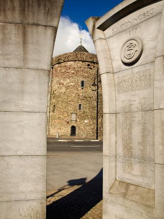 Reginald's Tower and Monument to the Sinking of Ss Coningbeg , Waterford City, Ireland