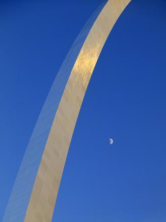 Gateway Arch at Dusk, Jefferson National Expansion Memorial, St. Louis, Missouri, USA