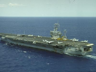Uss Nimitz, Aircraft Carrier, Off VA